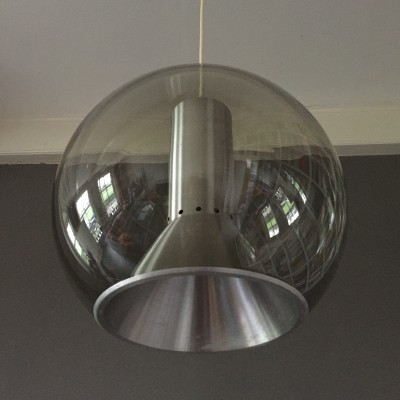 Globe hanging lamp from the sixties by Frank Ligtelijn for Raak Amsterdam