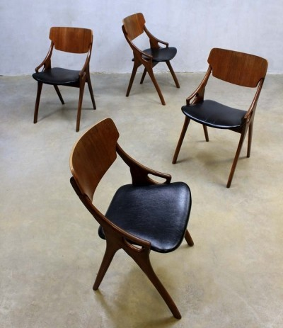 Set of 4 dinner chairs from the fifties by Hovmand Olsen for Mogens Kold