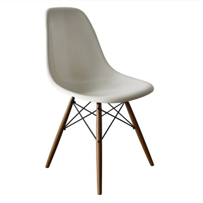 2 DSW White dinner chairs from the seventies by Charles & Ray Eames for Herman Miller