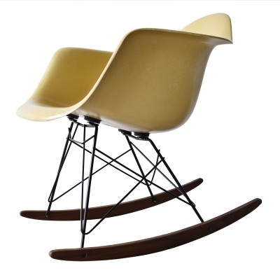 RAR Ochre Light rocking chair from the sixties by Charles & Ray Eames for Herman Miller