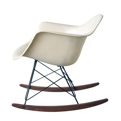 RAR Parchment rocking chair from the sixties by Charles & Ray Eames for Herman Miller