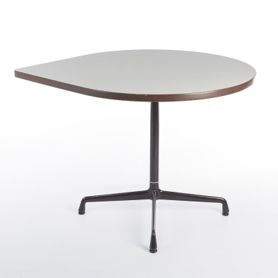 Contract Tear Drop side table from the seventies by Geoff Hollington & Charles & Ray Eames for Herman Miller