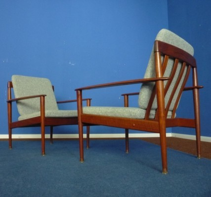 Pair of arm chairs by Grete Jalk for P. Jeppesens Møbelfabrik, 1950s