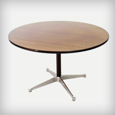 Dining table from the sixties by Charles & Ray Eames for Herman Miller
