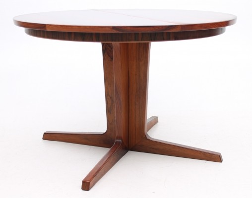 Round extension model dining table from the sixties by unknown designer for Gudme Møbelfabrik