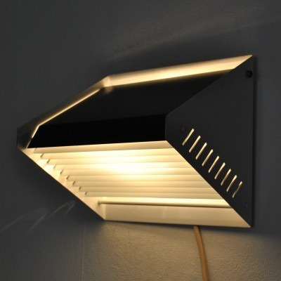 Wall lamp from the fifties by unknown designer for Raak Amsterdam