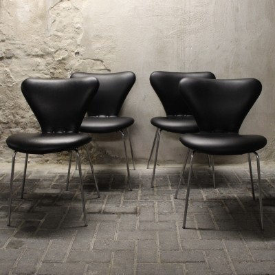 Set of 4 Model 3107 dining chairs by Arne Jacobsen for Fritz Hansen, 1950s