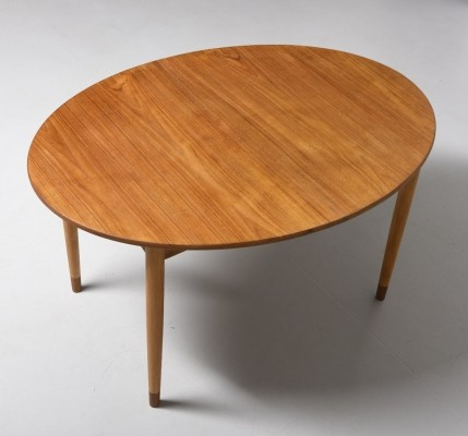 Model 120 dining table from the fifties by Børge Mogensen for Søborg Møbelfabrik