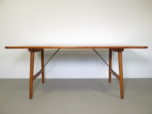 Hunting dining table from the fifties by Børge Mogensen for Soborg Mobler