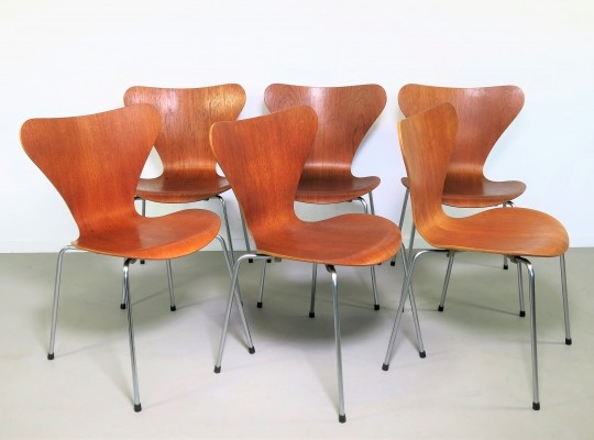 Set of 6 No 3107 dinner chairs from the seventies by Arne Jacobsen for Fritz Hansen