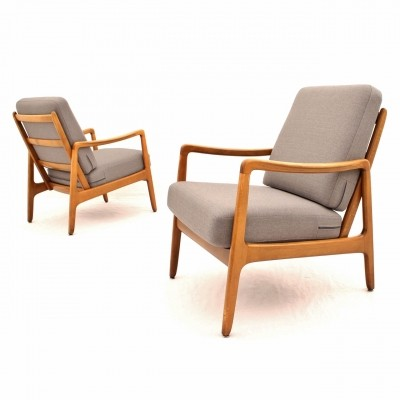 Danish design FD109 beech lounge chairs in silver grey fabric by Ole Wanscher for France & Daverkosen