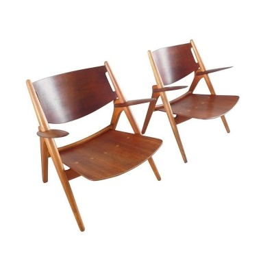2 CH-28 arm chairs from the fifties by Hans Wegner for Carl Hansen