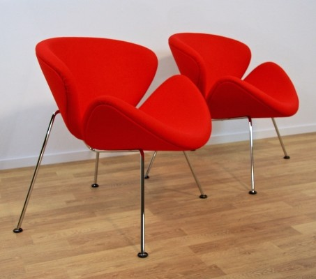 2 Orange Slice F437B lounge chairs from the seventies by Pierre Paulin for Artifort