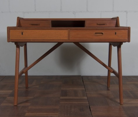 Model 65 writing desk from the sixties by Arne Wahl Iversen for Vinde Møbelfabrik