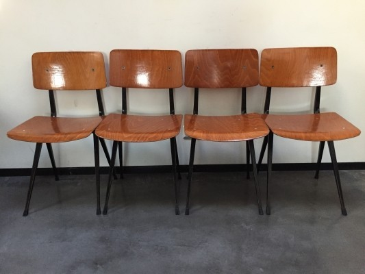 4 Result dinner chairs from the sixties by Friso Kramer for Ahrend de Cirkel