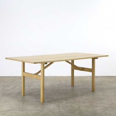 Dining table from the seventies by Børge Mogensen for Fredericia