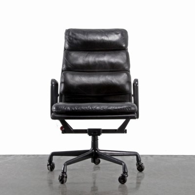 4 EA219 office chairs from the nineties by Charles & Ray Eames for Herman Miller