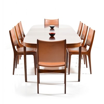 Set of 9 Chairs: UM 85 & Table: UM 88 / Rosewood dinner sets from the sixties by Johannes Andersen for Uldum Møbelfabrik