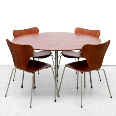 Model 3600 Table & Butterfly chairs dinner set from the fifties by Arne Jacobsen for Fritz Hansen