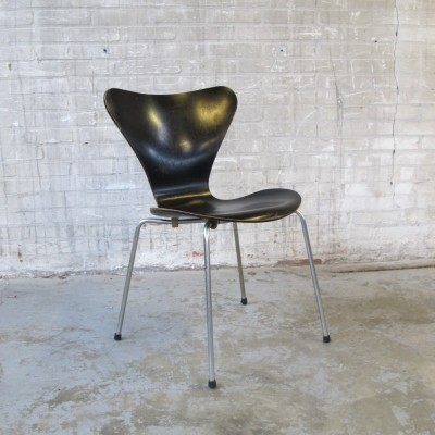 Dinner chair from the sixties by Arne Jacobsen for Fritz Hansen