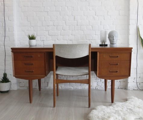 Writing desk from the sixties by unknown designer for AP Møbler Svenstrup