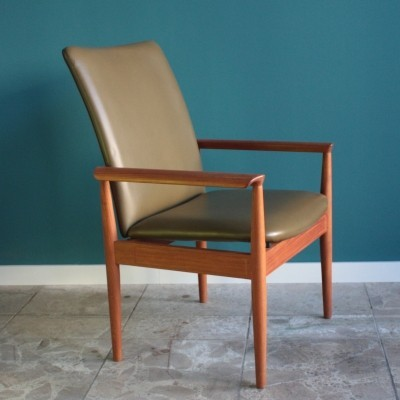 Diplomat arm chair from the sixties by Finn Juhl for Cado
