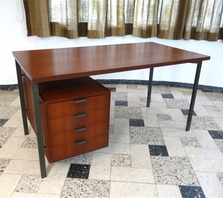 Writing desk from the sixties by Herbert Hirche for Christian Holzäpfel