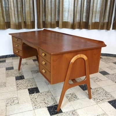 Writing desk from the fifties by Svend Aage Madsen for Sigurd Hansen