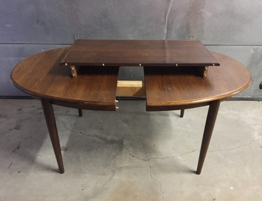 Extendable dining table from the fifties by Niels O. Møller for Gudme Møbelfabrik