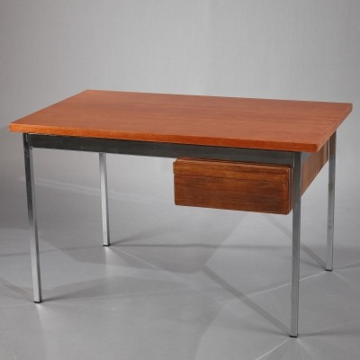 Writing desk from the sixties by Florence Knoll for Knoll International
