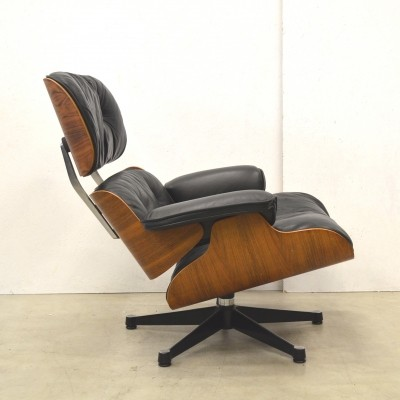 Rosewood lounge chair from the fifties by Charles & Ray Eames for Herman Miller