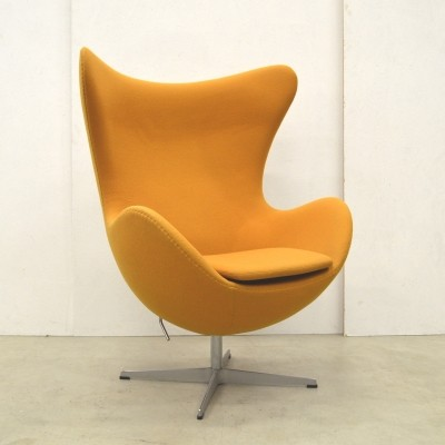 Egg lounge chair from the fifties by Arne Jacobsen for Fritz Hansen