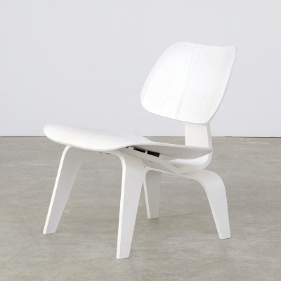 LCW White limited edition lounge chair from the forties by Charles & Ray Eames for Vitra