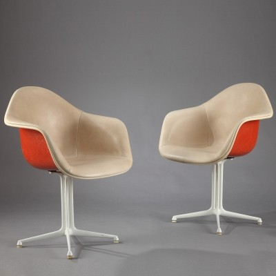 Set of 2 La Fonda arm chairs from the sixties by Charles & Ray Eames for Herman Miller