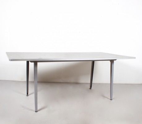 Reform dining table from the fifties by Friso Kramer for Ahrend de Cirkel
