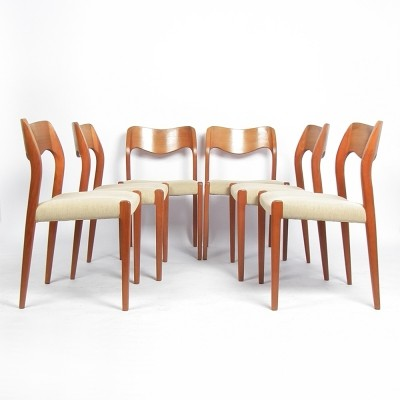 Set of 6 Oak Model 71 dinner chairs from the sixties by Niels O. Møller for JL Møllers Møbelfabrik