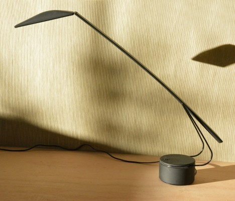 Dove desk lamp from the eighties by Mario Barbaglia & Marco Colombo for PAF Studios