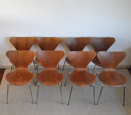 Set of 8 Seven series teak / model 3107 dinner chairs from the seventies by Arne Jacobsen for Fritz Hansen