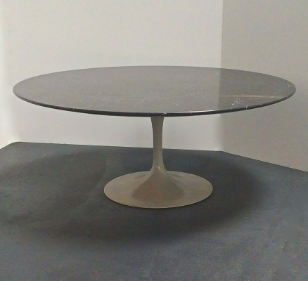 Tulip coffee table from the fifties by Eero Saarinen for Knoll