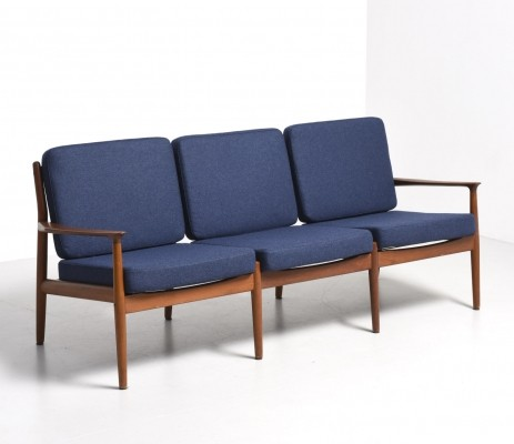 Sofa from the fifties by Grete Jalk for Glostrup Møbelfabrik