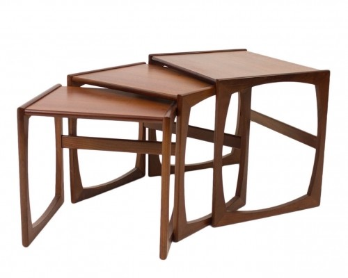Quadrille nesting table from the sixties by R. Bennet for G plan