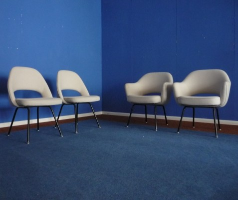 Set of 4 dinner chairs from the fifties by Eero Saarinen for Knoll International