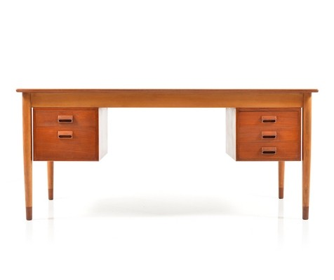 Writing desk from the fifties by Børge Mogensen for Søborg Møbelfabrik