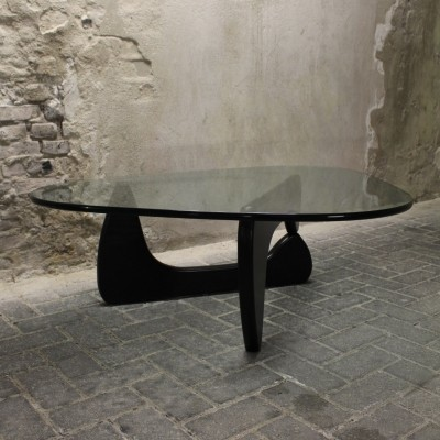 Coffee table from the eighties by Isamu Noguchi for Herman Miller