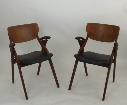Set of 2 dinner chairs from the sixties by Arne Hovmand Olsen for Mogens Kold