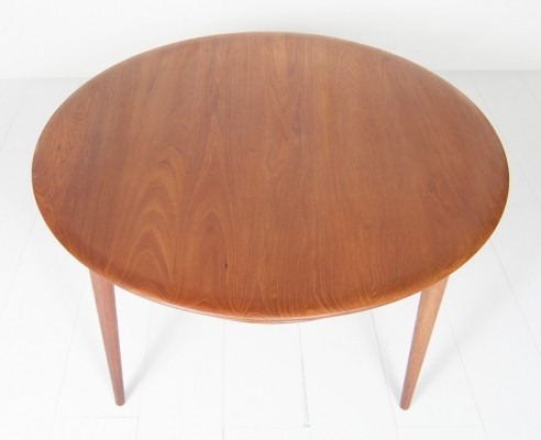 Coffee table from the fifties by Peter Hvidt & Orla Mølgaard Nielsen for France & Son