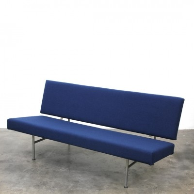 Gispen 1712 Sofa by André Cordemeyer reupholstered in Kvadrat Tonus