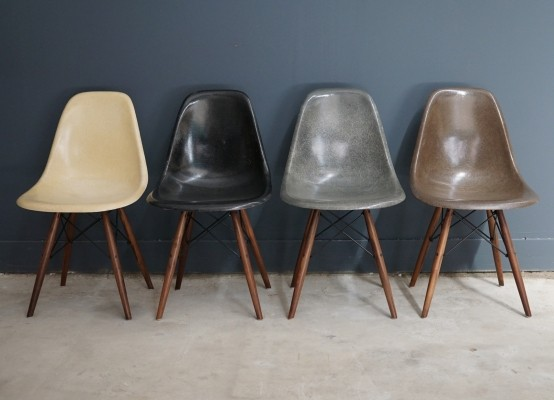 Set of 4 DSW dinner chairs from the sixties by Charles & Ray Eames for Herman Miller