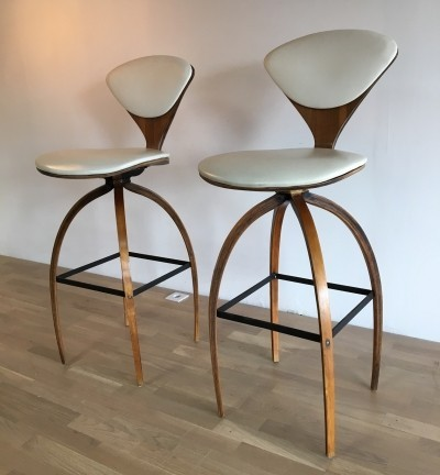2 stools from the sixties by Norman Cherner for Plycraft