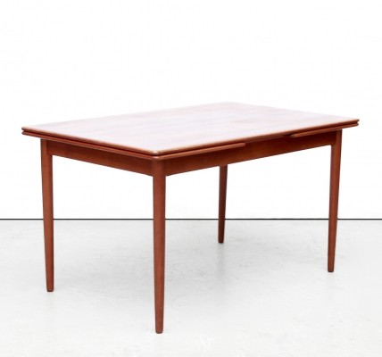 Dining table from the fifties by unknown designer for JL Møllers Møbelfabrik